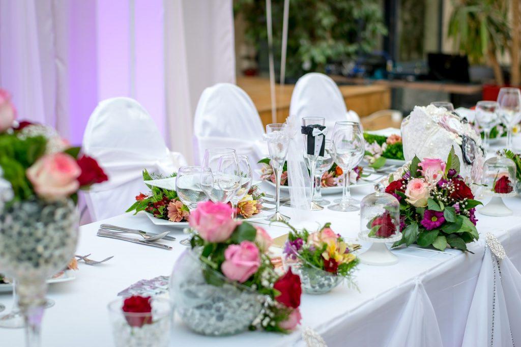 שולחן באולם אירועים